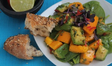pikanter Avocado-Mango-Salat