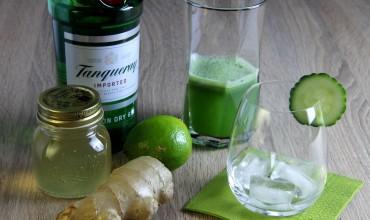 Gin Fizz mit Gurke, Ingwersirup & Limette